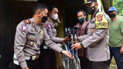 Kapolres Kutim Pimpin Bakti Sosial Dalam Rangka HUT Satuan Lalu Lintas Ke – 66