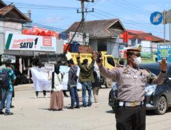 Polres Kutim Kawal Aksi Damai Fraksi Kutai Timur Suarakan Opini